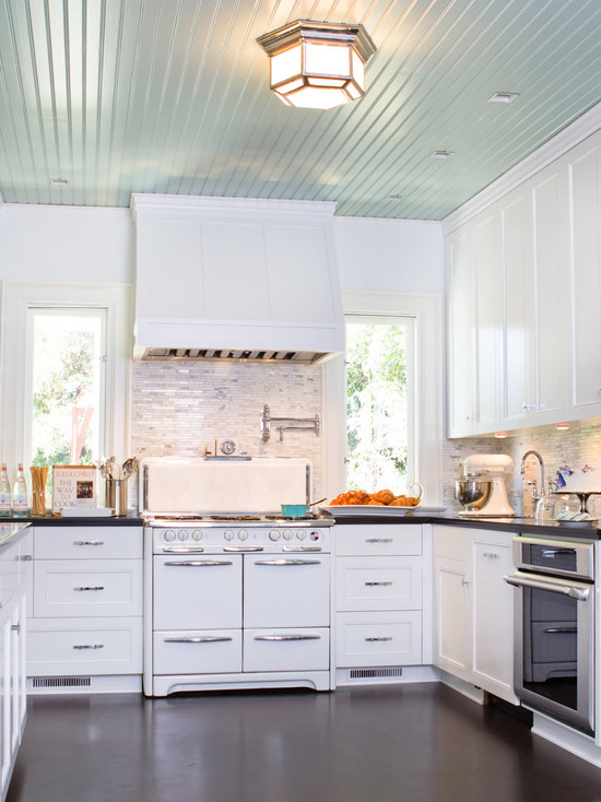 Excellent Kitchen Design With Recessed Lights: Traditional White Kitchen With Square Recessed Lights