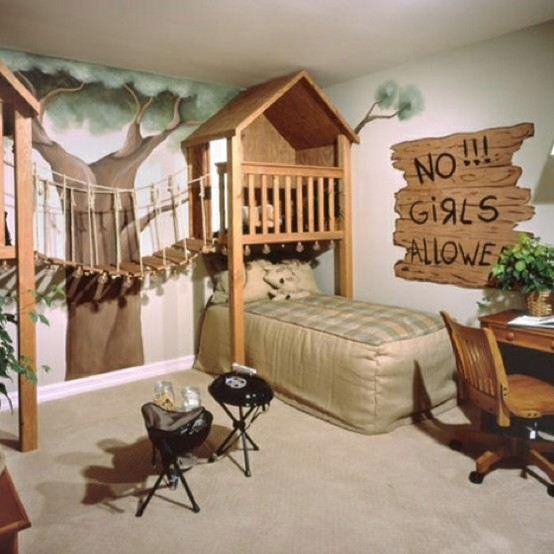 Cool Ways To Decorate A Room: Treehouse Like Boys Room With Wooden Bridge Toys