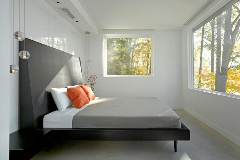 Holiday Getaway for Everyday Living in a Remarkable Vermont Contemporary House: Two Large Windows Low Profile Bed Two Large White Pillows Bed Two Small Orang Pillows Bed Two Pendant Lamps