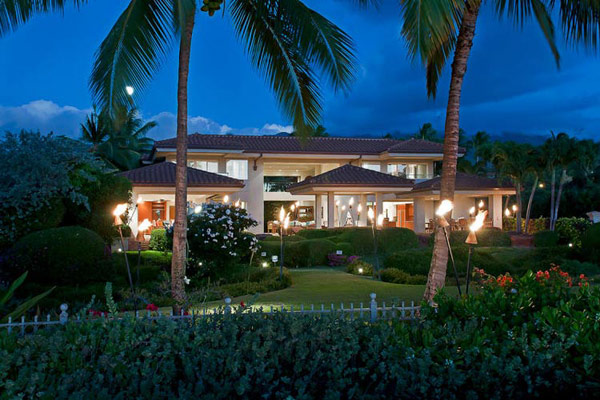 Tropical Gardens And Ultimate Villa Design In Maui, Hawaii: Thousand Waves Holiday Villa : Ultimate Architecture Design Of Surrounding Natural Landscape Thousand Waves Holiday Villa In Hawaii With Lighting
