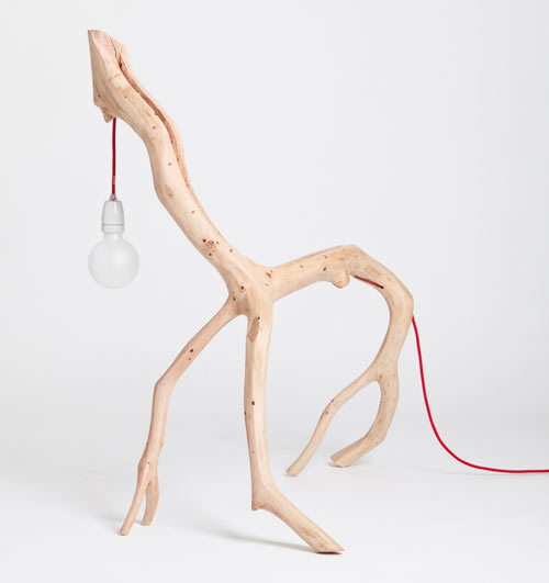 Interesting Oak Branch Lamps for Romantic Lighting: Unique Shape Lamp Holder 4 Legs Lamp Holder Oak Wood Buble Lamp Red Cable