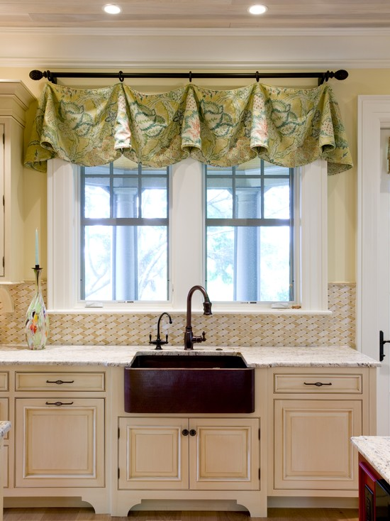 Amazing Kitchen Window Valances: Valance Hung From Rod With Rings And Hooks On Black Metal Rod At Eclectic Kitchen