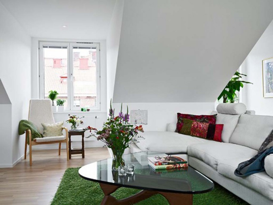 Minimalist Apartment Interior Designs in Modern Way : White Window Pane White Sofa Green Carpet Triangle Glass Table