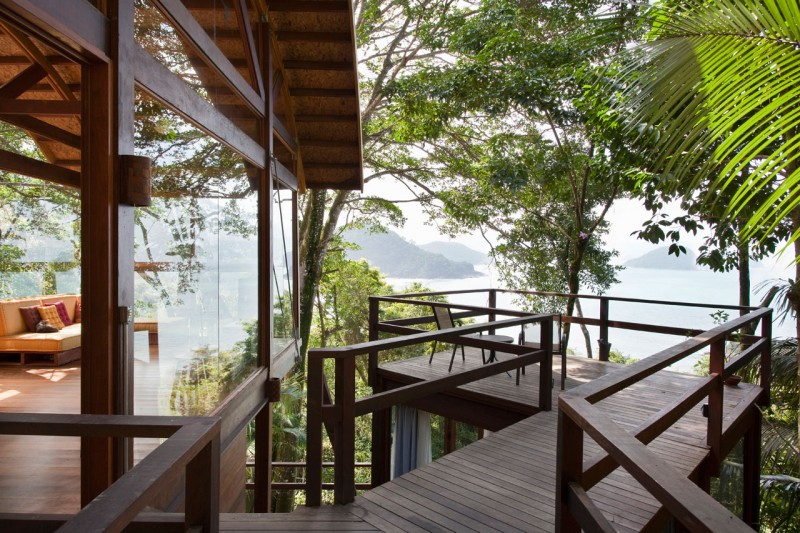 Unusual Wild Nature and Cool Modern Home Designs on Tropical Forest : Wild Nature And Cool Modern Home Backyard Designs With Small Balcony With Sea Sight