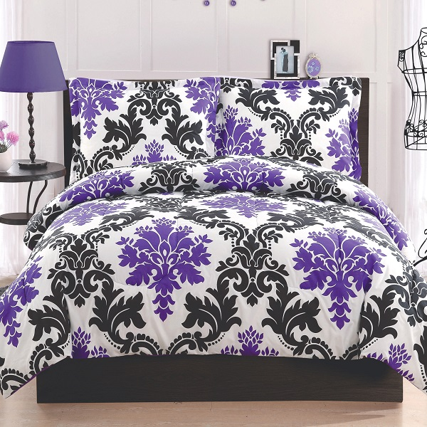 Sleek Color Combination For Bedroom Decoration : Wonderful Black And White Set Featuring Royal Purple In Bedroom Style With Dark Wood Furniture Set To Create A Luxurious Feel Nice Reading Lamp Side Table