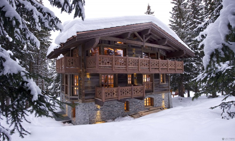 Breathtaking Cozy Resort For Your Family Holiday: Wooden Outter Wall Three Balcony Winter And Snow Three Floors House Wooden Ceiling