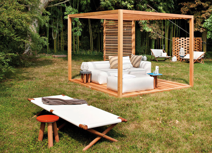 Various Beautiful Peaceful Pergola Design Ideas: Interesting Moveable Garden Pergola Design Ideas With Outdoor Relaxing Furniture