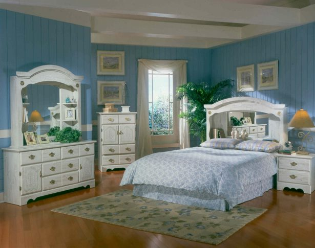 Excellent White Washed Furniture For Your Aesthetic Home: 6100 Harden White Washed Pine Bedroom Set ~ stevenwardhair.com Furniture Inspiration