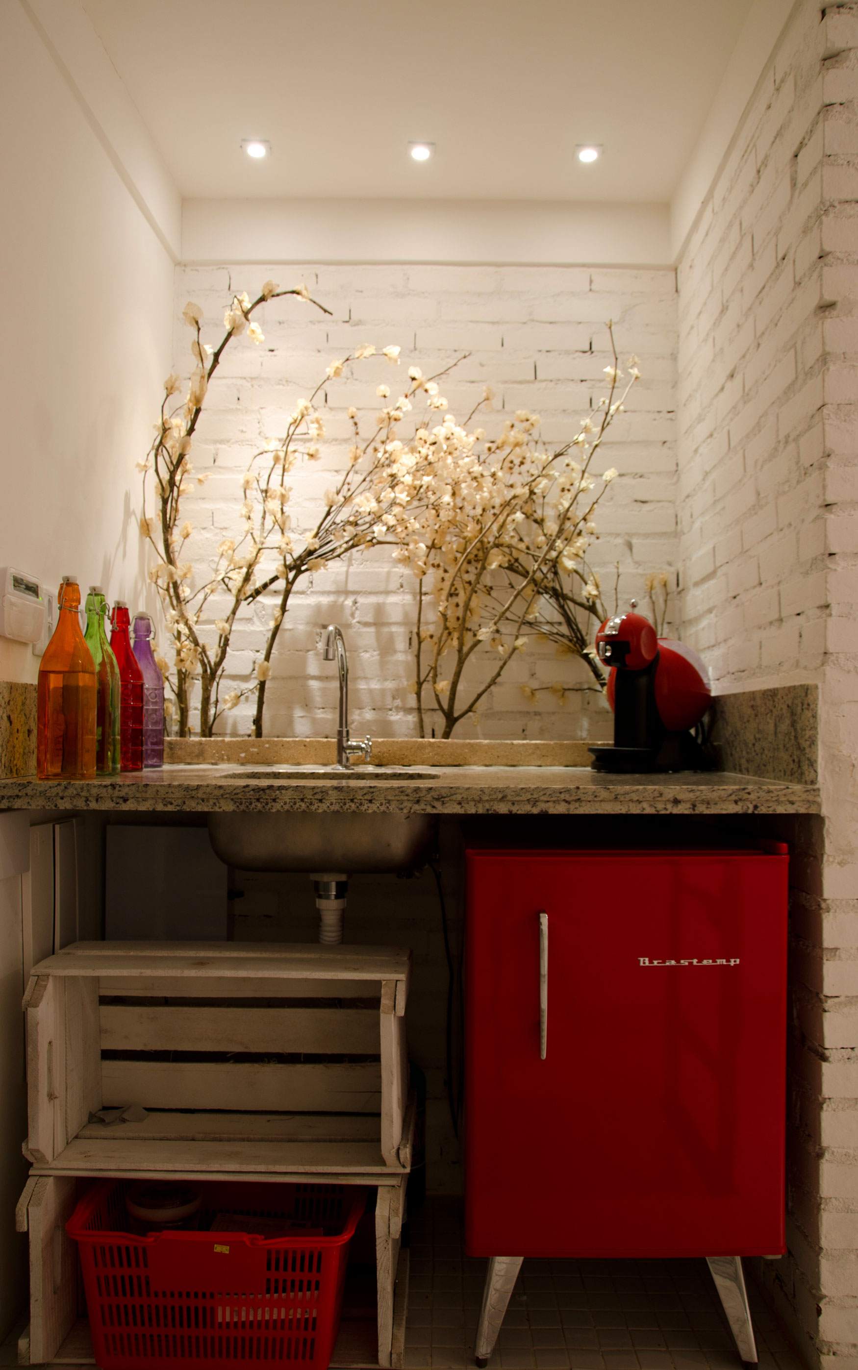 Home Studio Interior Design: Unique Interior Creation : Adoring Sink With Repurposed Crates And Catchy Sideboard Tucked In