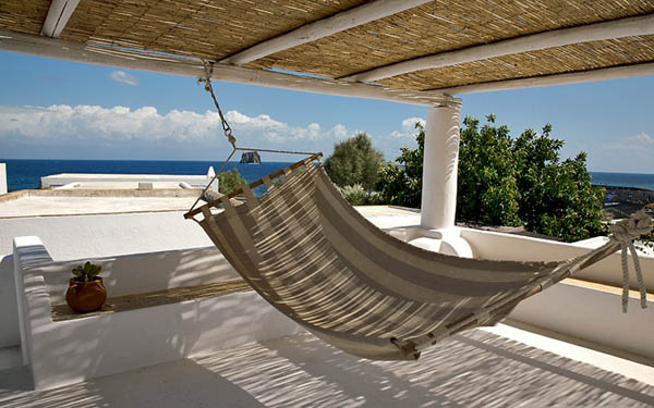 Modern Hammock Bed Decorating Ideas In Various Colors: Amazing Modern Hammock Bed Decorating Ideas Hanging Bed White Natural Exterior