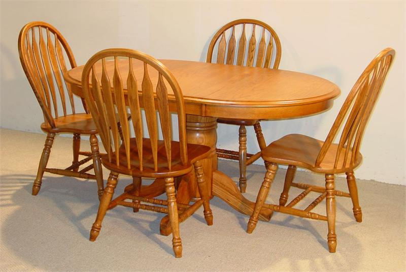 Powerful Oak Kitchen Tables Feature Several Models: Amazing Oak Kitchen Tables Clssci Pattern Wooden Style Furnishing