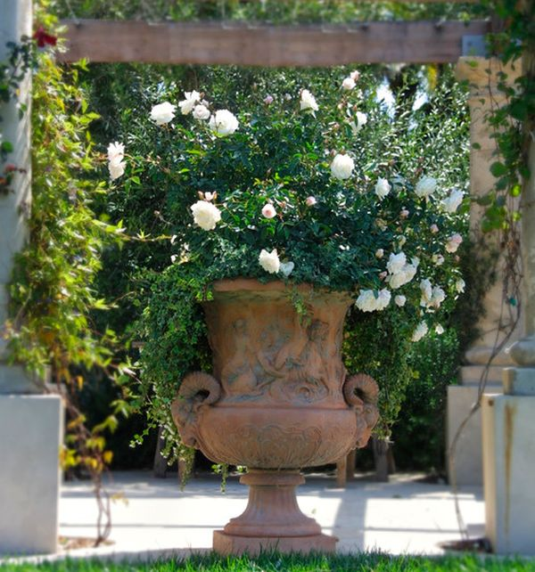 Garden Art Design Inspirations: 37 Astounding Ideas : Artistic Urn Overflowing With Blooms Of White Roses Makes For A Deligtful Art Addition