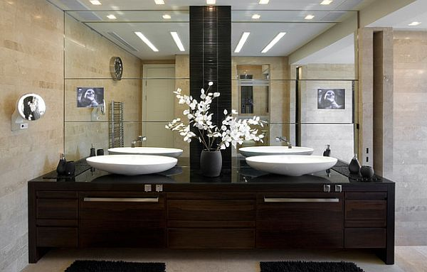 Stunning Flower Arrangements For Your Living Space: 67 Design Ideas: Asian Bathroom With White Flowers