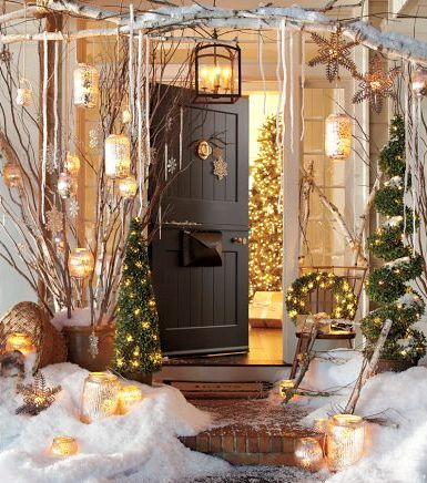 Inspirational Nice Christmas Decoration For Outdoor So Sparkling : Astonishing Entry Christmas Decoration With Wooden Door And Classic Candles