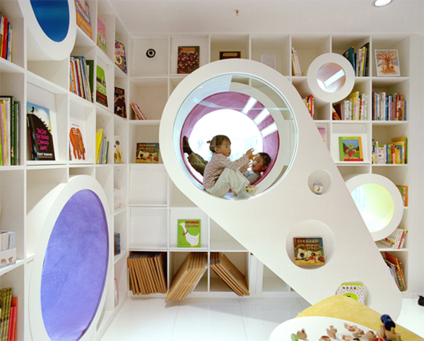 Fun Kids Space With Large Space: Astonishing Kids Playground Design Wit Open Storage And Round Sitting Area