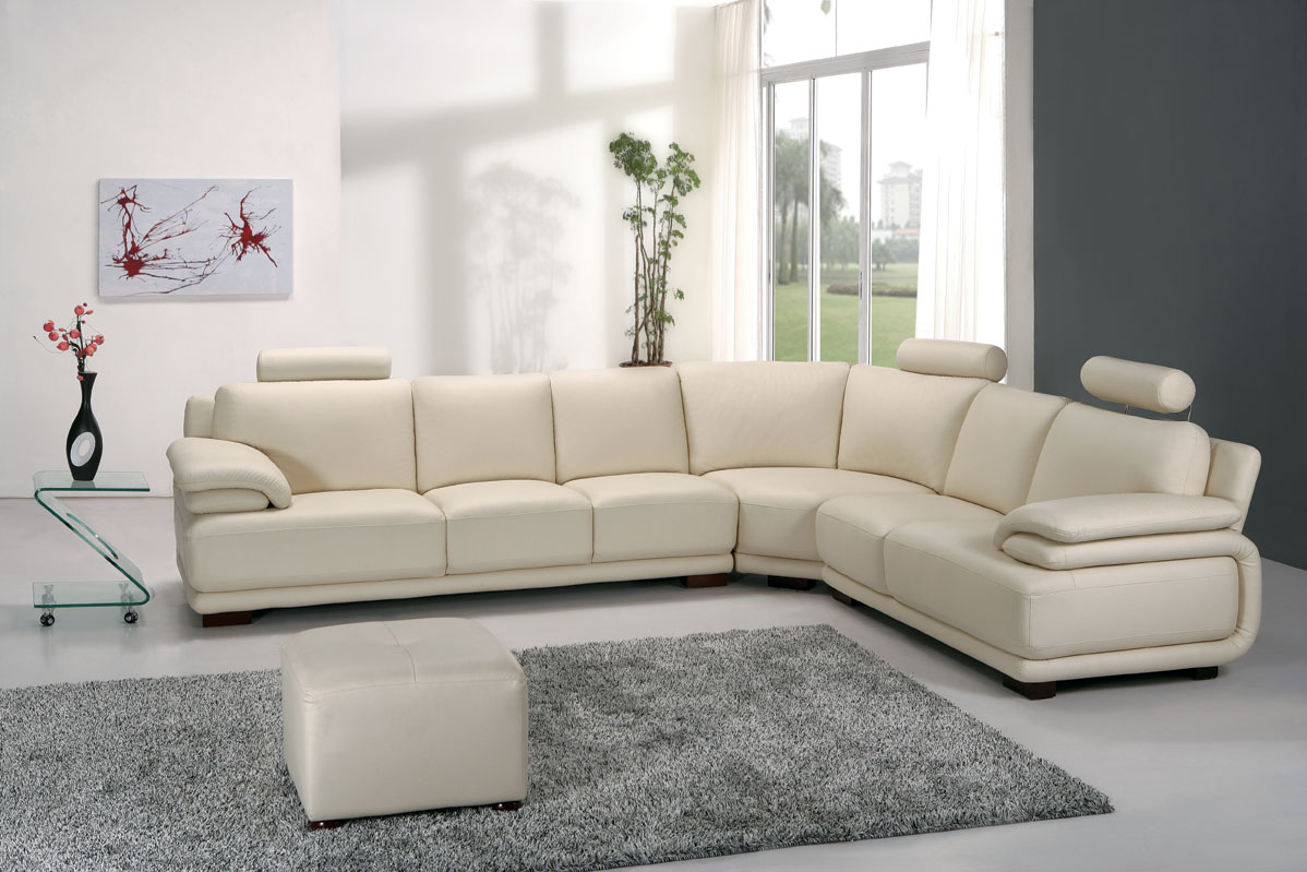 Stylish Modern Living Room Furniture Brings Cool And Funky Look: Astonishing Modern Living Room Furniture White Sofa Marble Floor Design