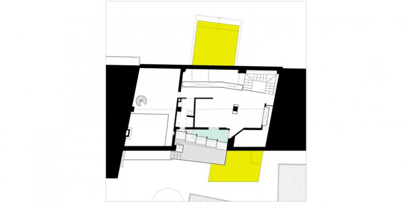 Luxurious Minimalist Contemporary House: Attic Level Home Layout Plan