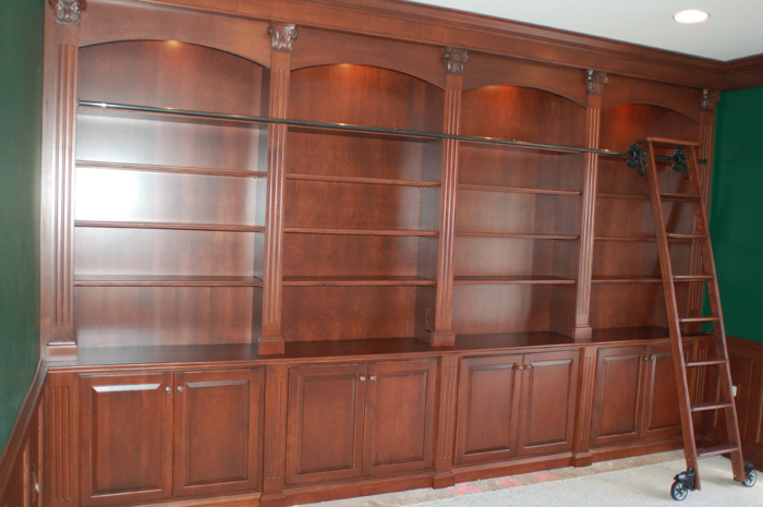Custom Home Libraries In This Era: Awesome Classic Wooden Style Custom Home Libraries Design