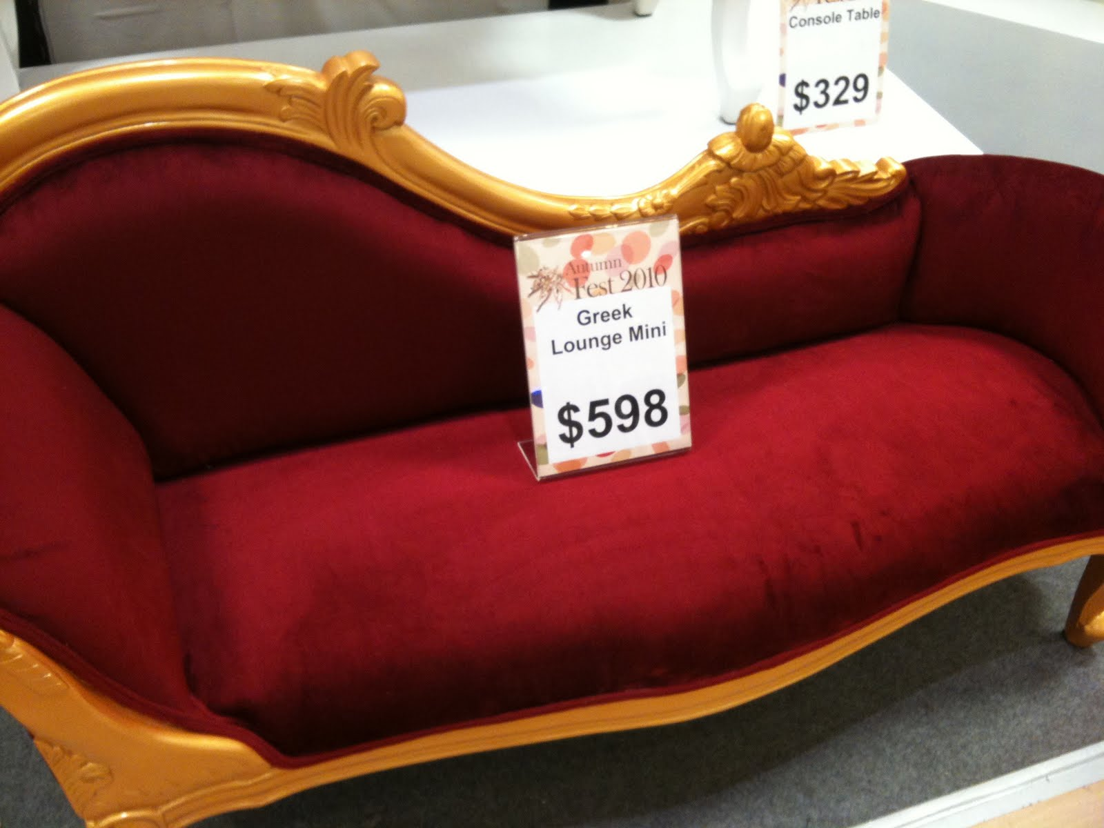 Mini Sofa Styles Creates Cute Room Atmosphere: Awesome Classical Red Gold Color Mini Sofa Design Ideas