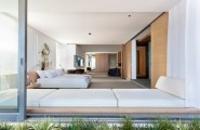 Enchanting Modern House With Maximum Use Of Natural Feelings : Awesome Modern Coastal House Bay Window Slide Glass Door