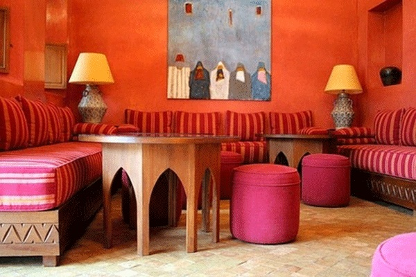 Contemporary Moroccan Decor For Bedroom: Awesome Moroccan Decor Red Strips Sofa Round Chair Wooden TAble