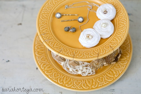 Nice Jewelry Organizer That You Can Make By Yourself : Beautiful Cakestand Jewelry Organizer DIY With Gold Color Design Ideas