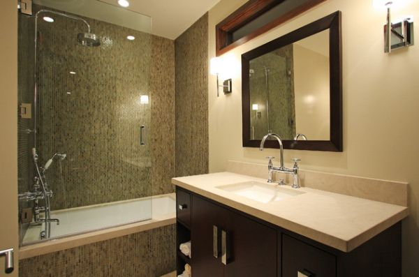 Glass Shower Door For Bigger Impression : Beautiful Modern Bath That Combines Shower And The Bathtub Behind Glass Doors