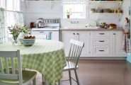Smart Kitchen Design For Small Spaces To Get Spacious Look : Beautiful Open Shelves In The Kitchen With Traditional Interior Design Ideas
