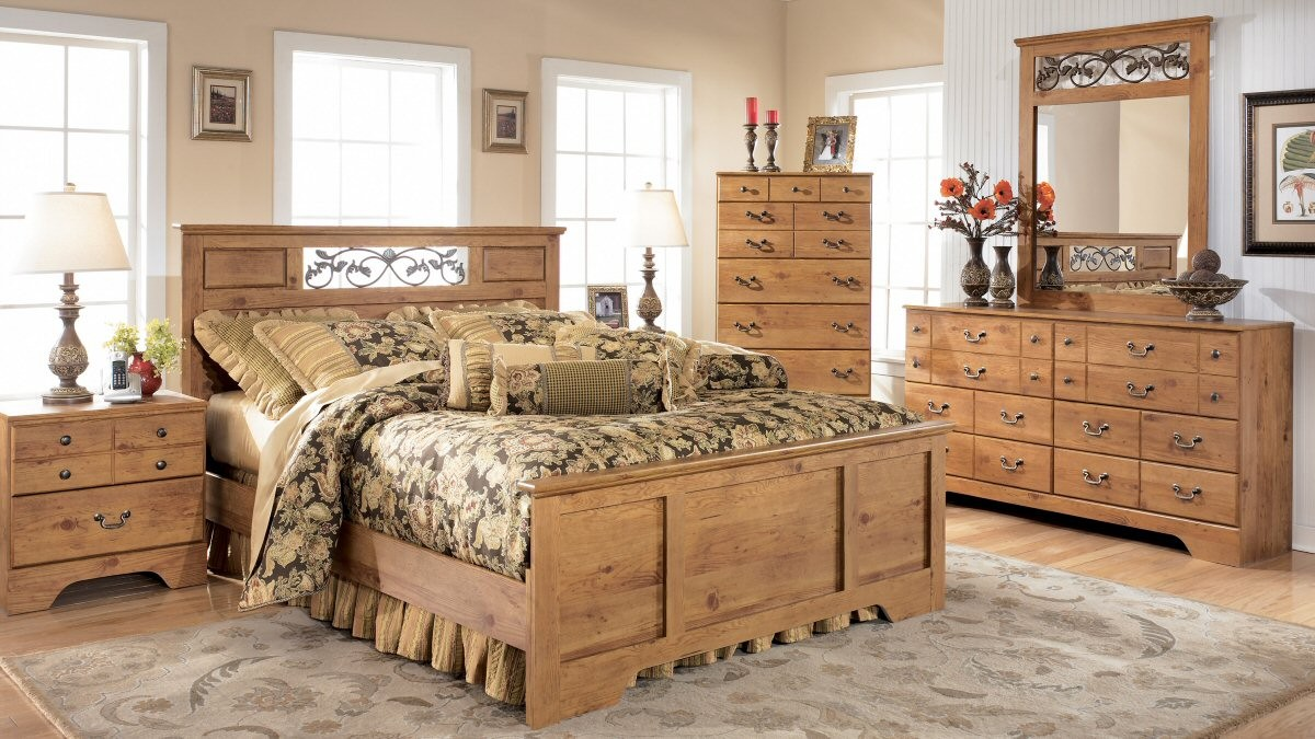 Inspirational Pine Bedroom Furniture Arouse Rustic And Natural View: Beautiful Pine Bedroom Furniture Cream Carpet Floral Bed Cover