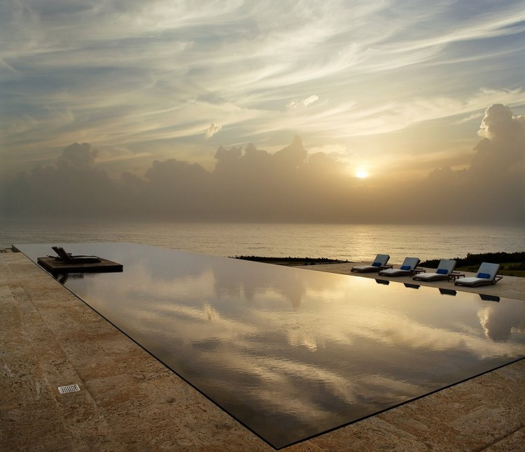 Large Infinity Pool In Your House : Beautiful Sunset From Large Infinity Pool Stunning Home Exterior
