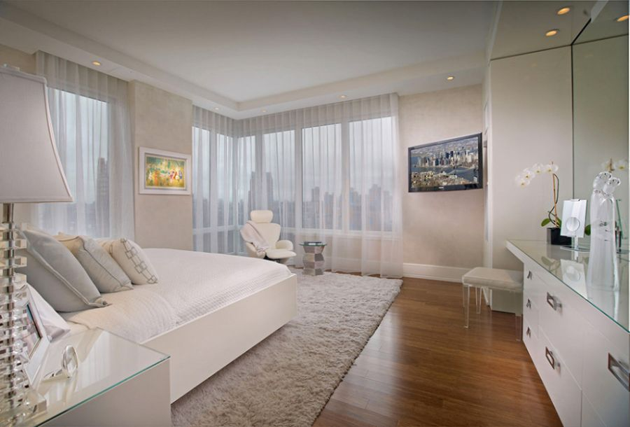 Beautiful Showcase Creating Stylish Interior Impression: Beautiful View Of NYC Skyline From The White Bedroom