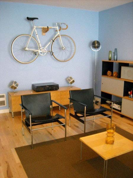 Bike Storage Ideas For Small House : Bike Standing Lamp Small Table Simple Chair