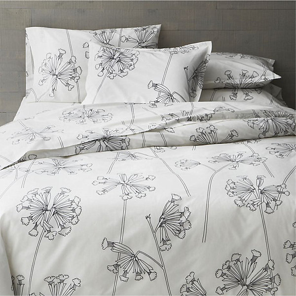 Striking Floral Patterns (12 Ideas): Black And White Floral Bed Linens