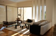 Stylish Home Interior Design With Contemporary Style : Black And White Living Room Interior