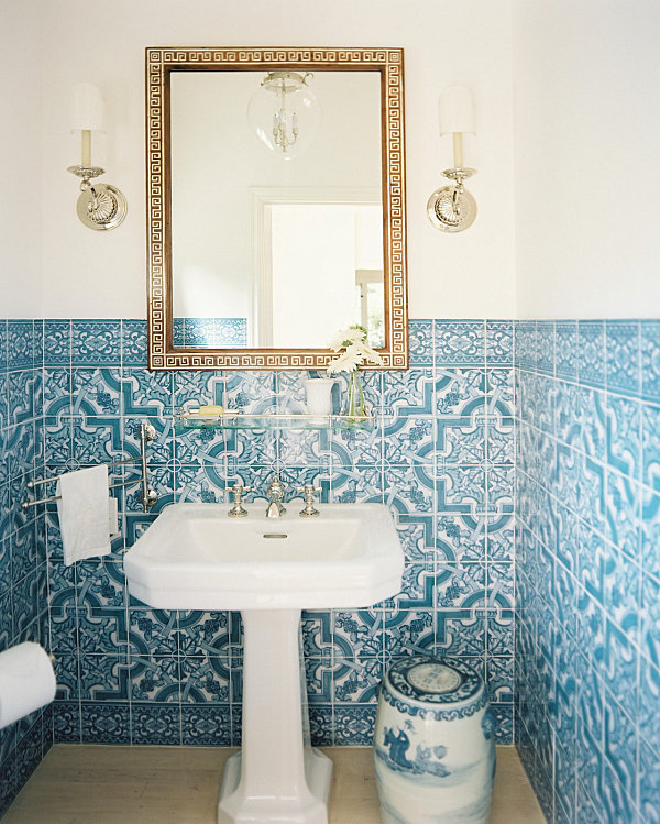 Tidy Small Bathroom Inspiration For Small Spaced House : Blue And White Tile In A Compact Bathroom