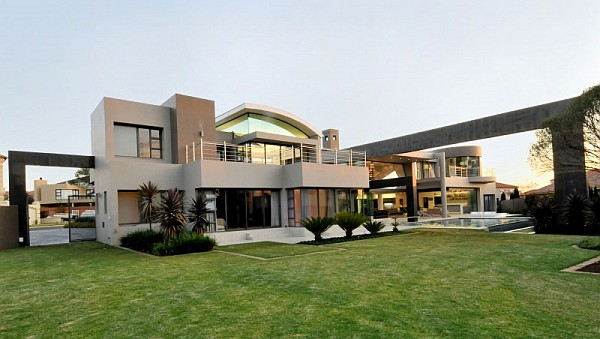 Contemporary South African Living Space With Amber Color Scheme : Cal Kempton Park 2