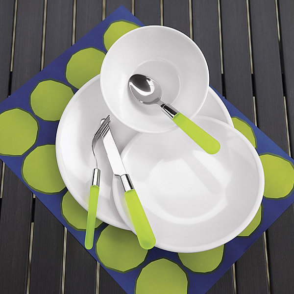 Cheerful Table Decor For Your Outdoor Enjoyment : Casual Flatware With Green Handles