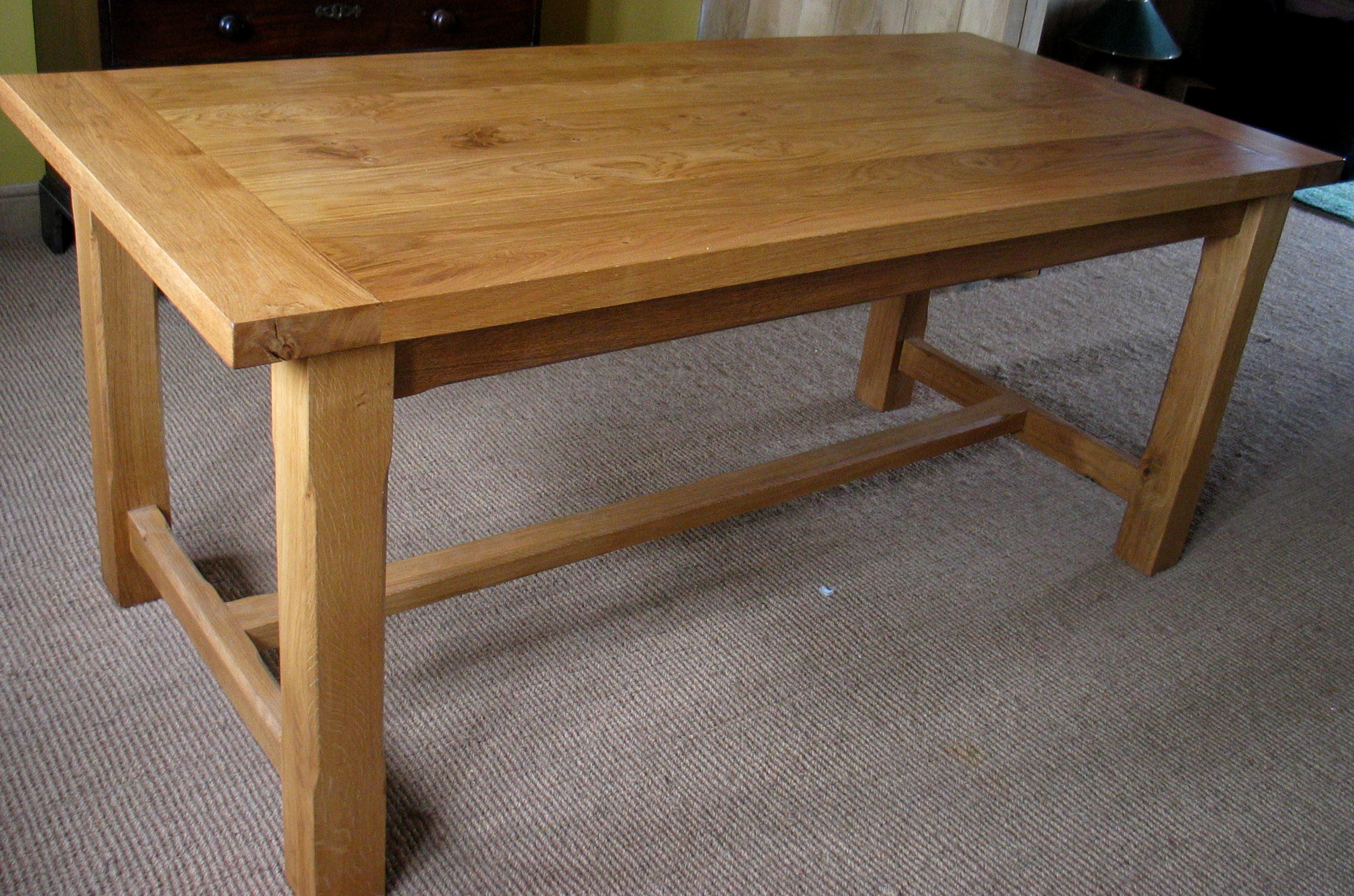 Solid Oak Dining Room Table To Accompany Your Family Dinner : Charmful Oak Dining Room Table Traditional Simple Design