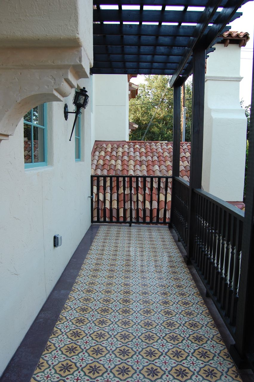 Luxury Stonepeak Tiles Showcasing Elegance : Classic House Design With Balcony Beautiful Ornamental Stonepeak Tiles Design