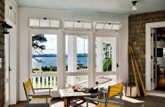 Simple Smart Tips Of Cleaning Indoor And Outdoor Window : Clean Entrance Windows