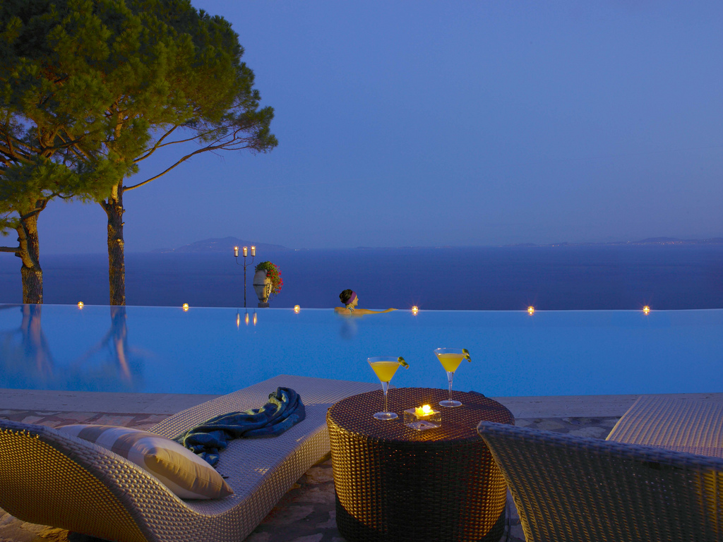Coolest Infinity Pools, They Are Unusual : Cliffside Infinity Pool At Hotel Caesar Augustus Italy