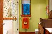 Stunning Kids Bathroom With Nursery Decor : Colorful And Stylish Kids Bathroom With Accents Of Natural Wood