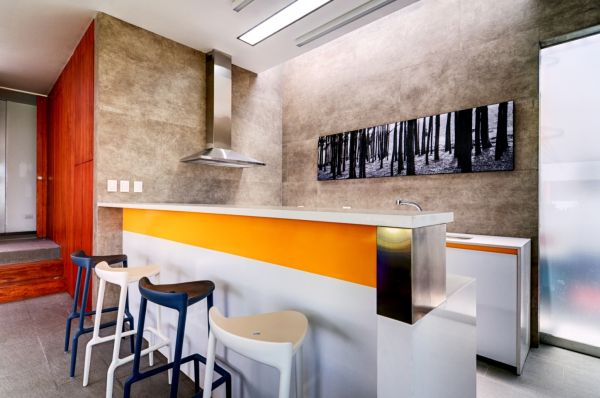 Seta House: An Extravagant House Design: Colorful Kitchen Decor Peru Lima