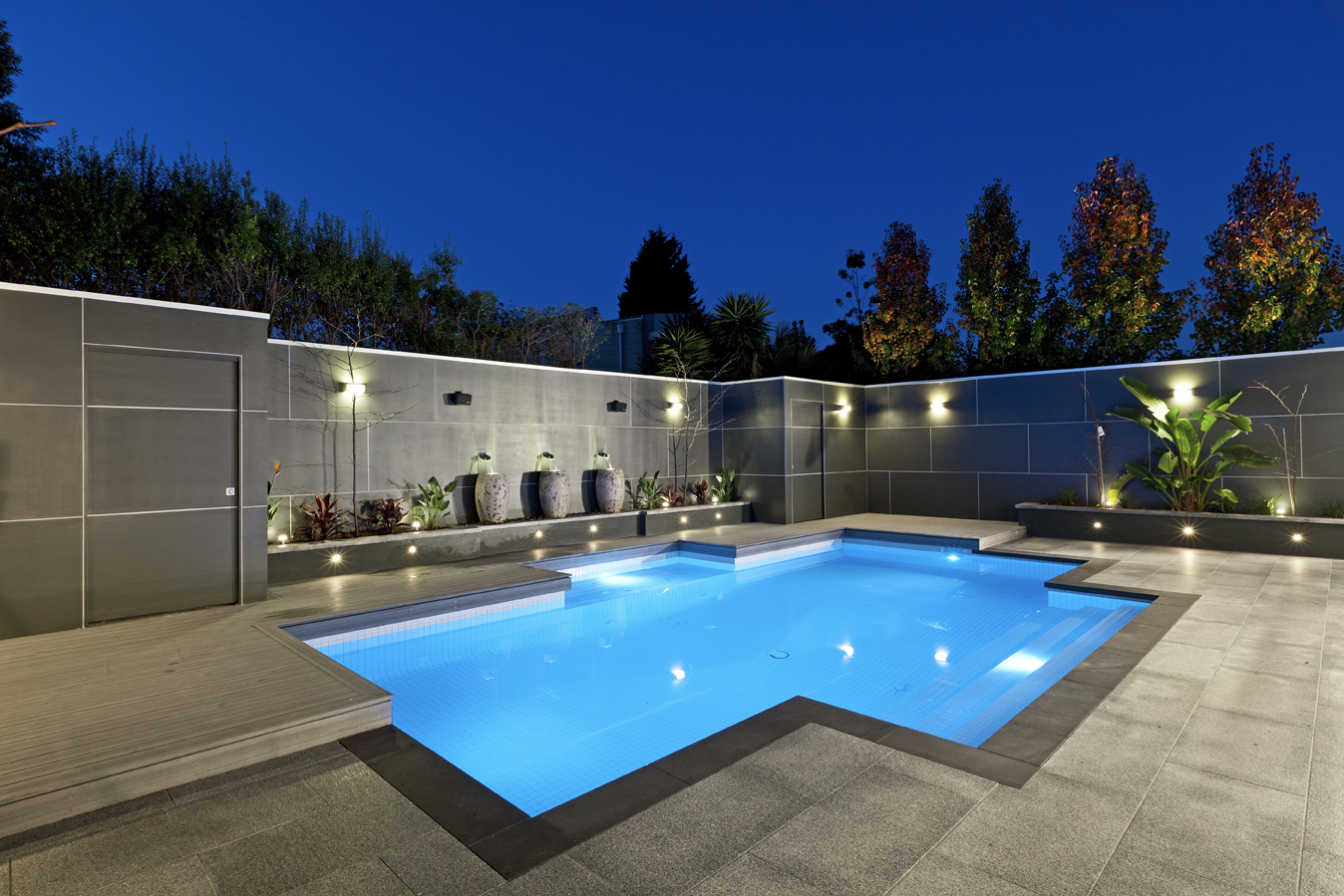 Pool & Backyard: Concrete Swimming Pool In Caulfield Melbourne ...