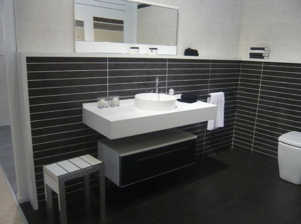 Floating Cabinet And Vanity Set For Every Home: Contemporary Bathroom With Stylish Floating Sink
