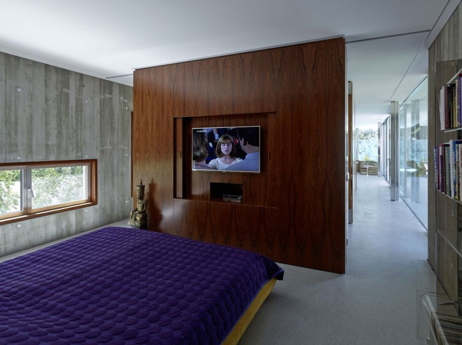 Contemporary Home Design: The A&B House In Austria: Contemporary Bedroom With Purple Accents