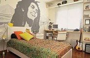Inspirational Cool Room Designs For Guys With Directed Theme : Cool Bedrooms For Guys With Bob Marley Graphic