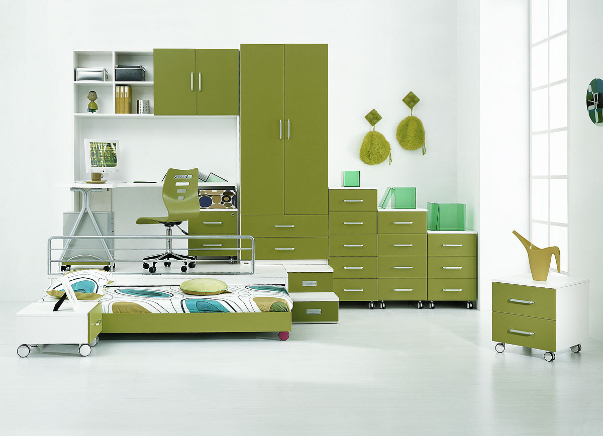 Colorful Kids Bedroom Ideas In Small Design: Cool Contemporary Kids Bedroom Ideas Green Closet Learning Desk