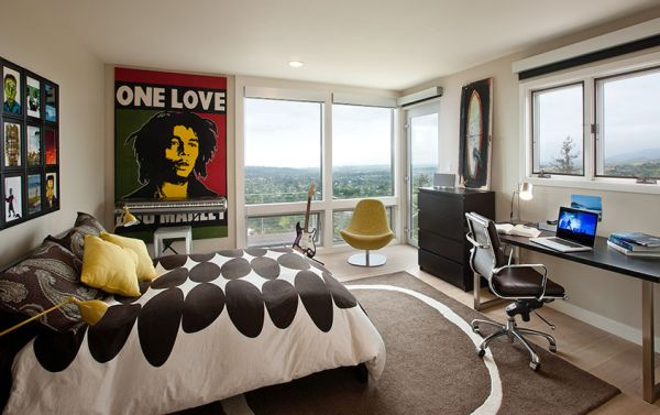 Artistic Vintage Poster Decoration Comes With The Great Design: Cool Teen Room Showcases Love For Music