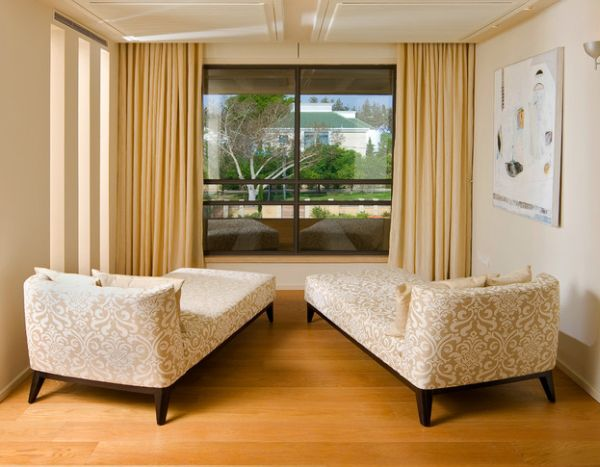 Elegant Interior With Everlasting Chaise Lounge Chair : Couple Of Chaise Lounges Help Enjoy A View